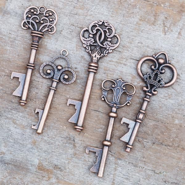SET of 50 - Vintage Skeleton Key Bottle Openers – Assorted Antique Copper Keys (10 each style of the 5 varieties pictured) UNIQUE & MEMORABLE GIFT: Add extra charm to your wedding by gifting these gor