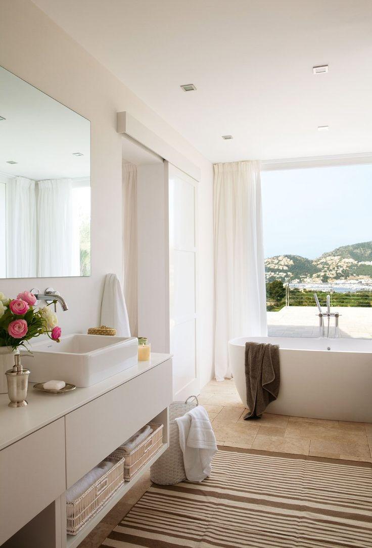 Un baño sereno y muy acogedor · ElMueble.com · Cocinas y baños (corredera blanca)