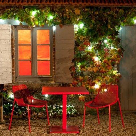 Les 25 meilleures id es de la cat gorie guirlande solaire sur pinterest lanternes de patio for Eclairage jardin autonome