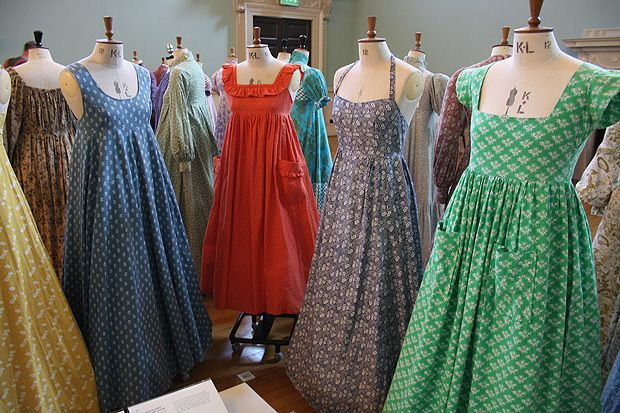 LAURA ASHLEY: THE ROMANTIC HEROINE EXHIBITION - Ugh! I would kill for one of these designs from the 70s! So gorgeous!