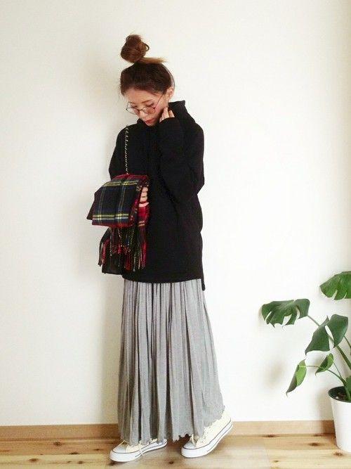aponさんのスカート「VIBGYOR E carina (エ カリーナ) プリーツロングスカート」を使ったコーディネート