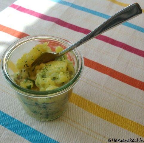 Badische Mission 9 In Baden wird der Kartoffelsalat ohne Majonnaise zubereitet. So ist ein Haufen Fett gespart und er schmeckt im Sommer absolut erfrischend. Viele Jahre bastle ich schon am optimal…
