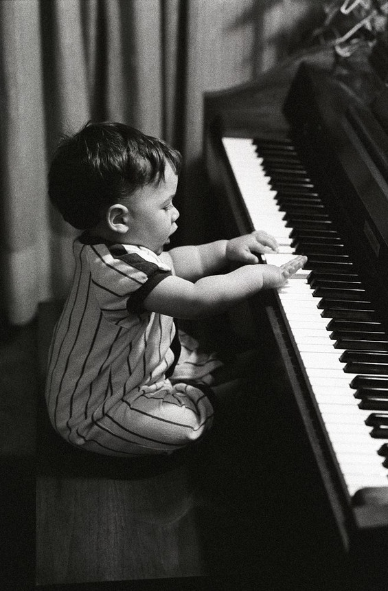 "Getting the ""piano bug"" early......"