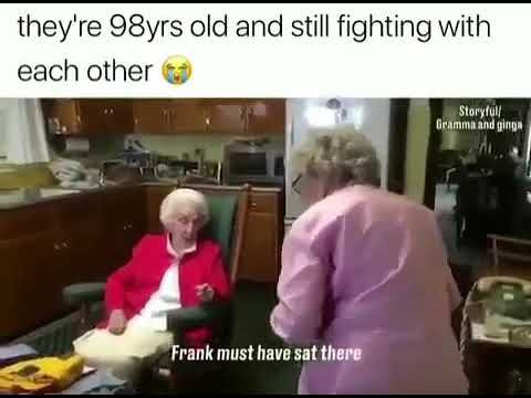 Funny grannies arguing - Video
