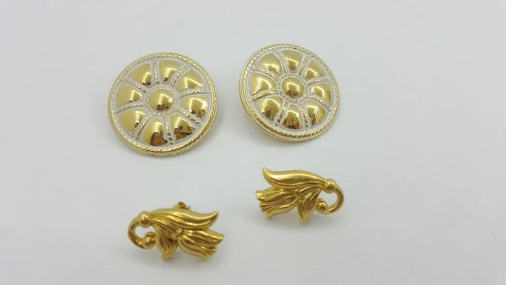 Avon Sculptured Button pierced earrings Mint Condition 1988 Spring Tulip 1990 lot of two pair