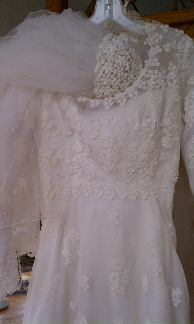Vintage priscilla of boston gown from the 1970s after for Vintage wedding dress restoration