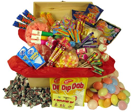 A beautiful selection of retro sweets to make a perfect present. Includes Dip Dabs, Refreshers Flying Saucers, Wham Bars and Space Dust plus loads more. #70ssweets