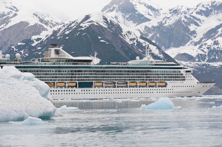 #RoyalCaribbean Radiance of the seas at the Hubbard Glacier, #Alaska. Please contact me and book your next #RoyalCaribbean #RCCL #cruise #vacation!