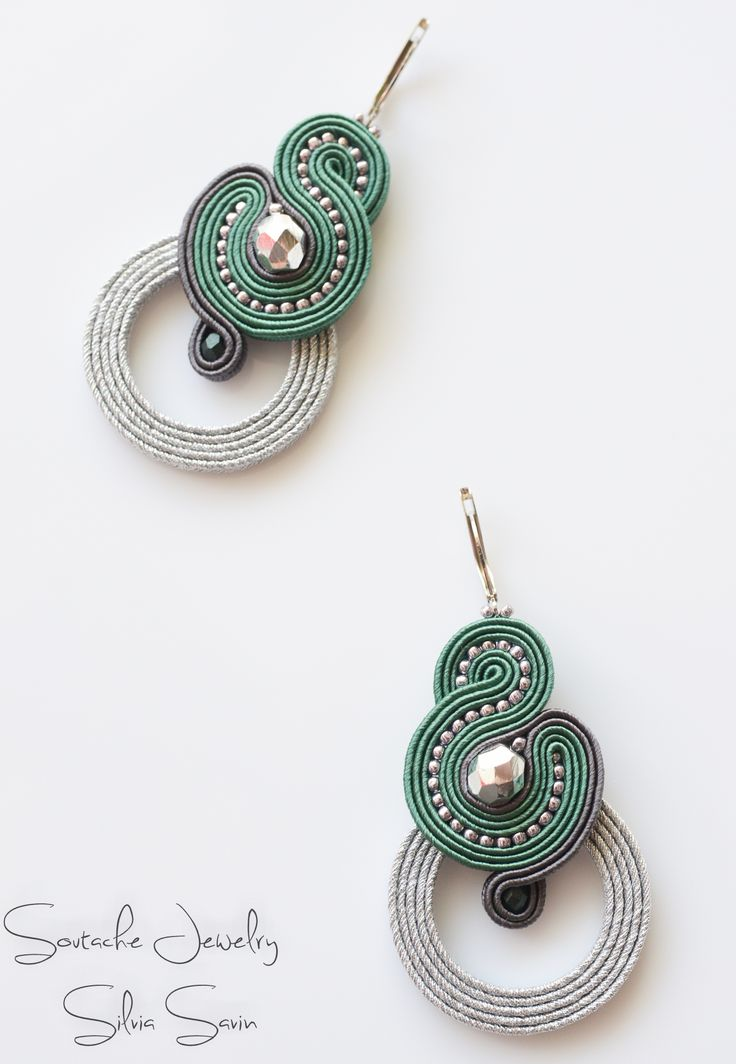 Silver and Green Soutache earrings Más