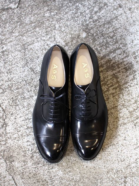 Cap toe shoes 5