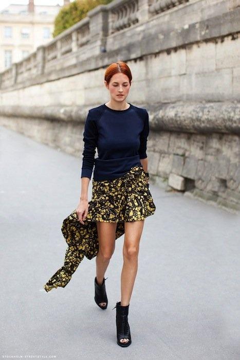 Outside Paris Fashion shows. Taylor Tomasi Hill. Ladies Streetstyle, Womenswear. #pfw