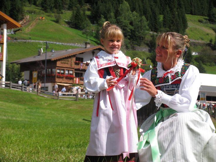 Un angolo della Gran Festa d'Ista ! Evento: 4-5-6-7 settembre a #Canazei, #Valdifassa #Trentino #Dolomiti