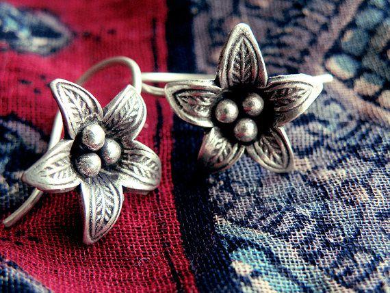 silver flower earrings flower earrings victorian by CarmelaRosa