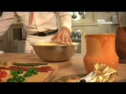 Tu Cocina (Yuri de Gortari) - Rosca de reyes, tradicion Mexicana que se parte el 6 de Reyes, cuando se levanta el Niño Dios. La cual commemos con atoles de distintos sabores, subido por: Xochipitzahuatl Miztli