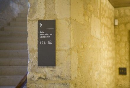 Musée de la Faïence - Nevers. Signalétique - Signage ( CL DESIGN - Paris / London )