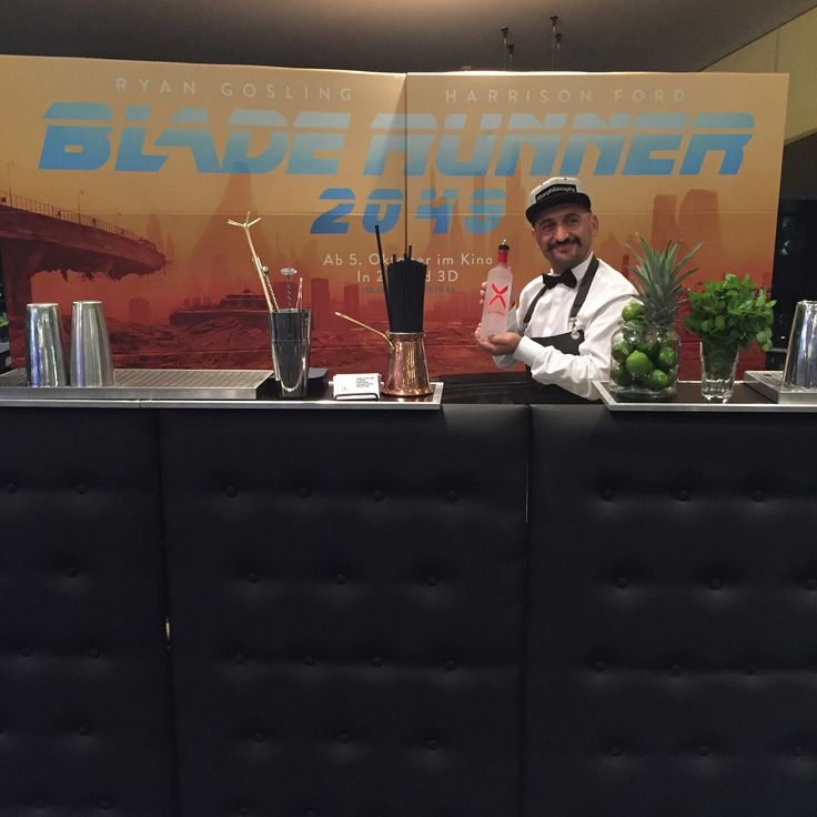 Cocktail service in Erlangen Cinestar  #barphilosophygermany  #frankfurt #barphilosophy #bartender #movie #cinema #gintonic #bladerunner2049 #es #metopera #cinestar #cinestarcinemas #cinestarerlangen #bartenderslife #showbarkeeper #ffm #athens #salonika #mykonos2017 #