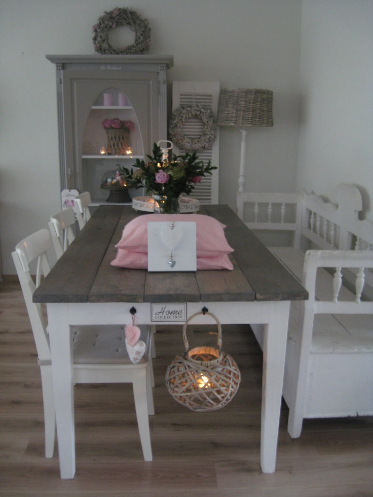 Bovenkant eettafel (en salontafel) strippen en oud hout maken?