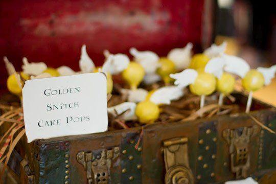 golden snitch cake pops: Harry Potter