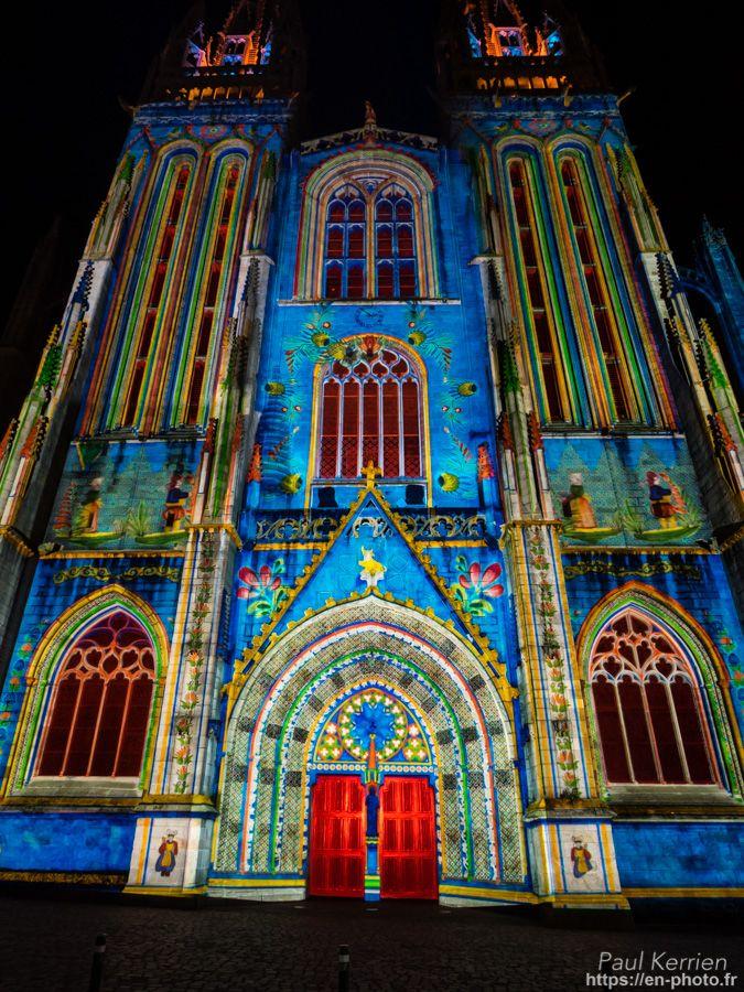 Quimper   spectacle Iliz Veur, mise en lumière de la cathédrale Saint-Corentin  © Paul Kerrien 2017 https://en-photo.frFinistère Bretagne