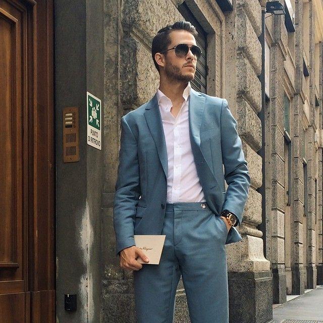 adamgalla:  Headed to the @Ferragamo show. Suited in blue  ferragamolive.ferragamo.com #FerragamoLive #mfw #Milan (at Palazzo Mezzanotte - Borsa Italiana SpA)