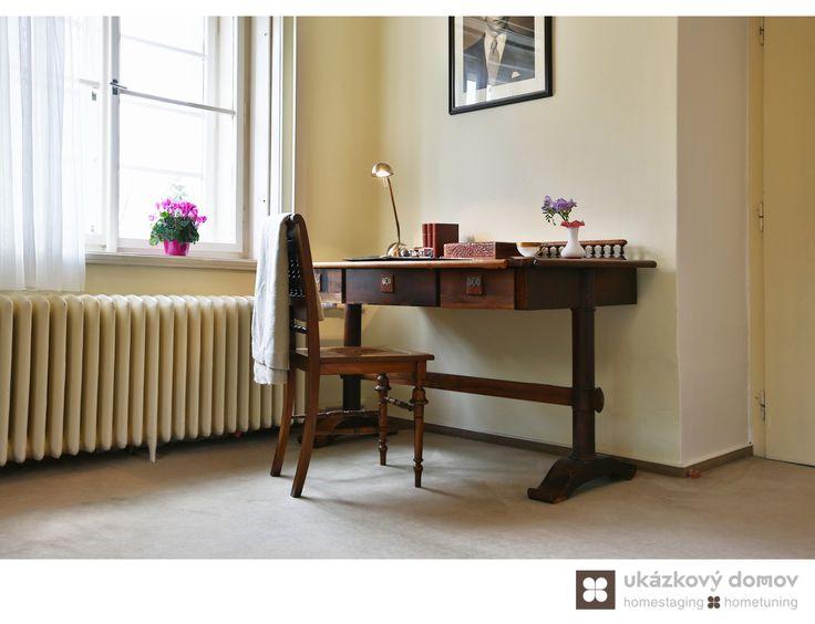Home Staging zařízeného rodinného domu v Kamenici u Prahy #Kamenice #NovaHospoda #czech #homestaging #pred #po #before #after #white #walls #vila #workingspace #romantic #table #cz #czechrepublic #leisure #pracovna #workingspace #antique