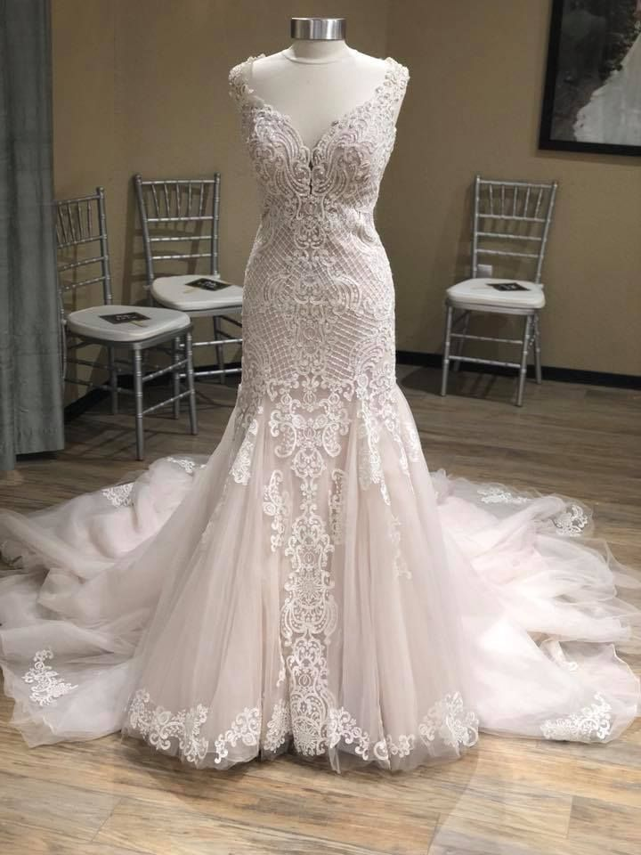 Love love LOVVVVVE this NEW ARRIVAL from Essense of Australia! Sample Size 16, can be ordered in sizes 0-32 #D2434 #EBEB #MichellesBride #syttd #weddingdress