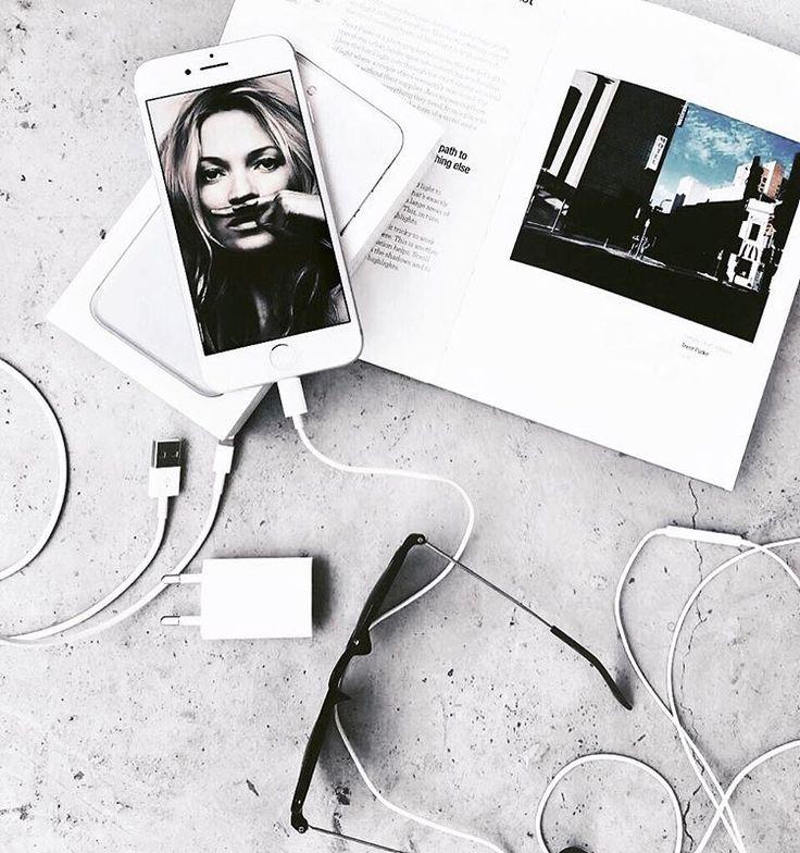 #iphone #white #flatlay