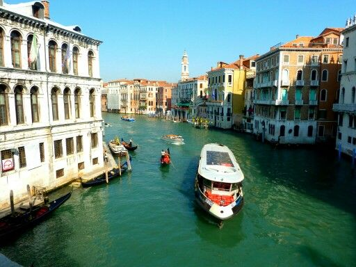 mytripadvice: Venice View the traffic on the Grand Canal from the Rialto Bridge and check out the shops