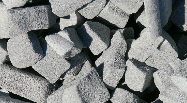 Ecologische isolatie onder betonplaat: Bauen AUF Glas - Willkommen in der Recycling Welt von Glasschaum-Granulat bzw. Schaumglasschotter - TECHNOpor