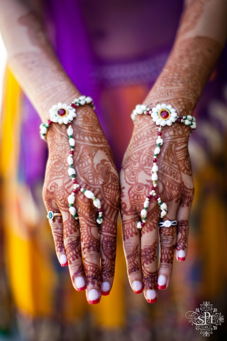 Pretty mehendi, and gorgeous jewellery for your hands #indian #wedding