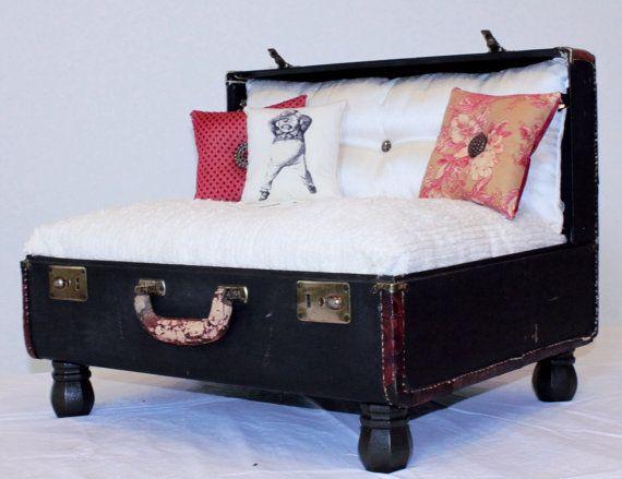 doggie bed: Pet Dogs, Vintage Suitcase, Suitcase Pet, Pet Stuff, Pets, Pet Beds, Suitcases Pet, Pet Lounges
