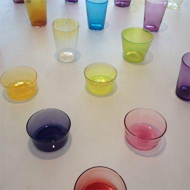 金沢在住のガラス作家、辻和美さんの、カラフルな作品。写真は、金沢のファクトリーズーマーで撮影しました。ほんのり色のガラスの、ほのかな美しさに、うっとりしてしまいます。いろんな色を揃えたい。【SPUR編集長 内田秀美】 http://lexus.jp/cp/10editors/contents/spur/index.html ※掲載写真の権利及び管理責任は各編集部にあります。LEXUS pinterestに投稿されたコメントは、LEXUSの基準により取り下げる場合があります。