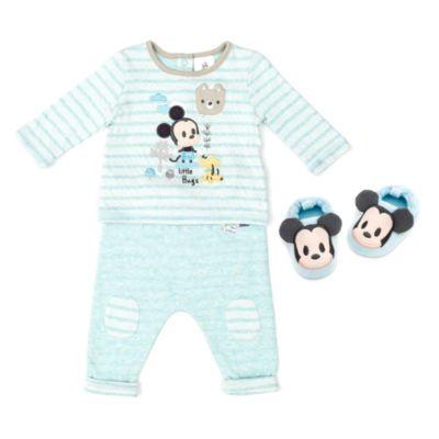 Avec cet adorable ensemble Mickey Mouse, laissez place à un sommeil enchanteur au pays de Disney! En coton doux, l'ensemble comprend un haut à manches longues, un pantalon assorti et des chaussons originaux à l'effigie de Mickey Mouse.