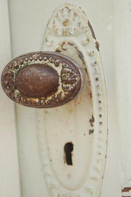 Belle poignée de porte antique.