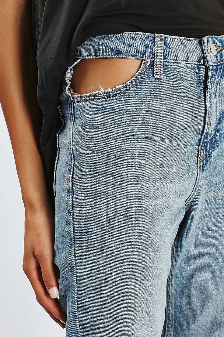 MOTO Cut Out Pocket Mom Jeans