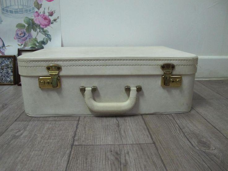Valise vintage blanche - valise skaï vintage - valisette 1960 - valise rétro - voyage vintage - bagage vintage - rangement - valise ancienne de la boutique CrazyFrenchVintage sur Etsy