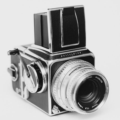 pbecker:  Hasselblad cameras are just the most beautiful cameras on earth.