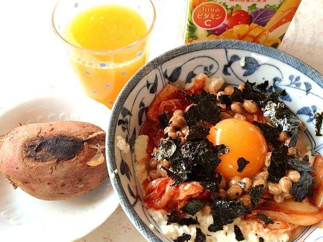 お腹空きました〜♪ - 28件のもぐもぐ - 糖質制限のお昼ご飯     納豆キムチのお豆腐丼  安納芋  野菜ジュース by lalanoir