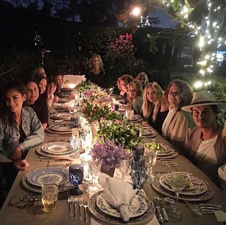 """lisacochranpll: Yes this night happened! Kudos to @imarleneking @thesharirose for hosting a garden party. Fun nite @itsashbenzo @shaym @tylerjblackburn Photo cr: @kimmyt22 """