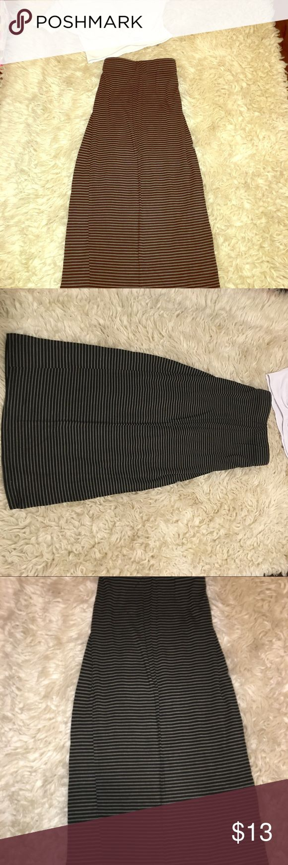 Long maxi skirt Stripped maxi skirt comes down to above your ankles if you wear it around your waist , and below your knees if you wear it as a high waist skirt. Dress it up or dress it down. Still in good condition size Small can fit a medium Skirts Maxi
