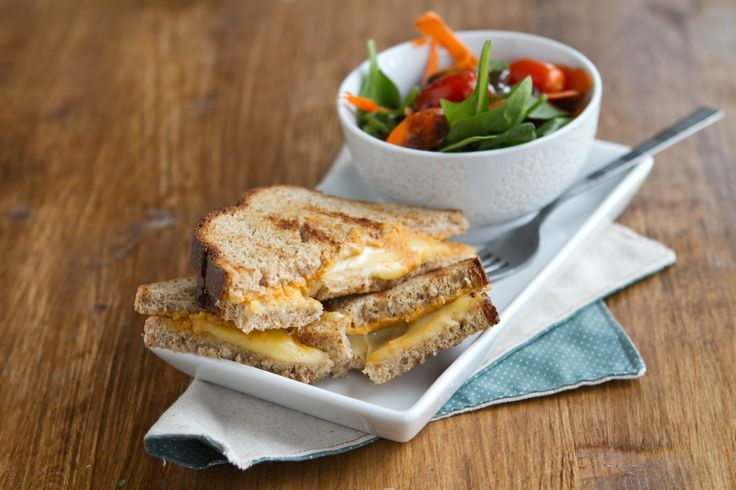 simple way to spice up your grilled cheese sandwich with hummus