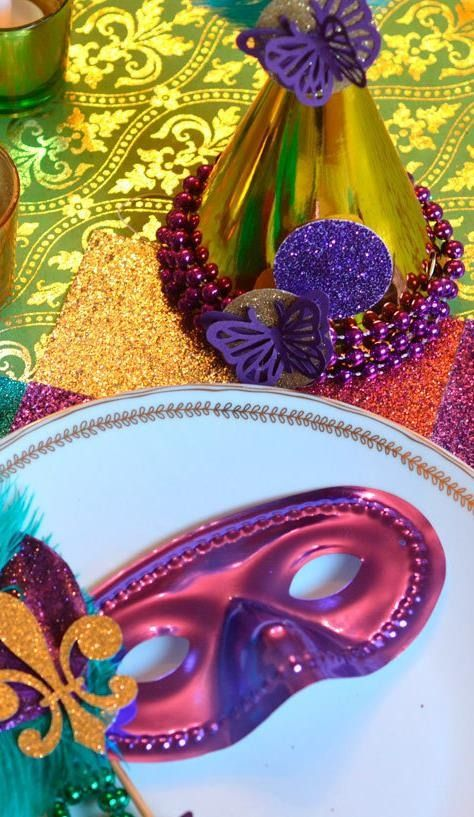 Celebrate Mardis gras in style with easy DIY ideas for a tabletop. Whether for a school party or home, these homemade crafts are the perfect centerpiece for any event!