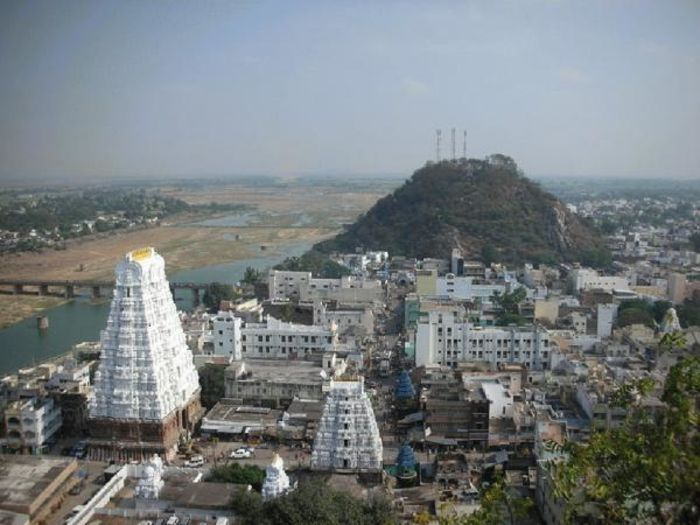 Srikalahasti Temple is located in the town of Srikalahasti, in the state of Andhra Pradesh, India. It is one of the most famous Shiva temples in South India ...