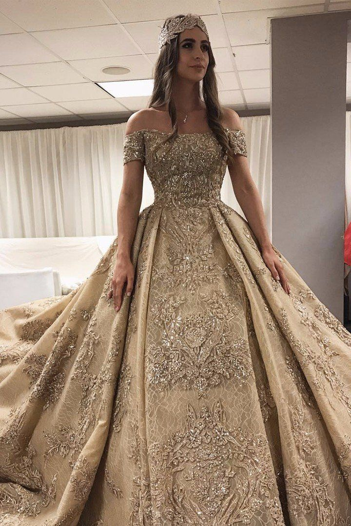This Russian Bride's $10 Million Wedding Makes Sense When You See Her Gown