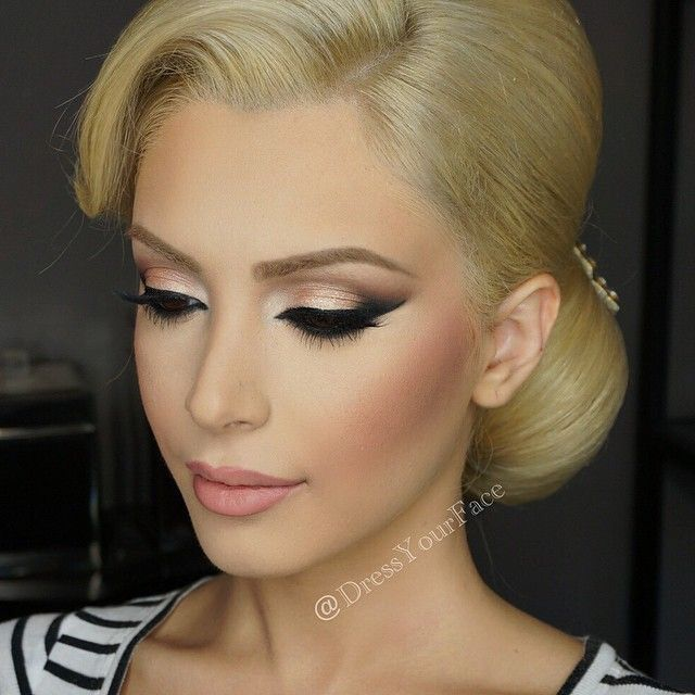 Flawless makeup and hair. | mysweetengagement.com