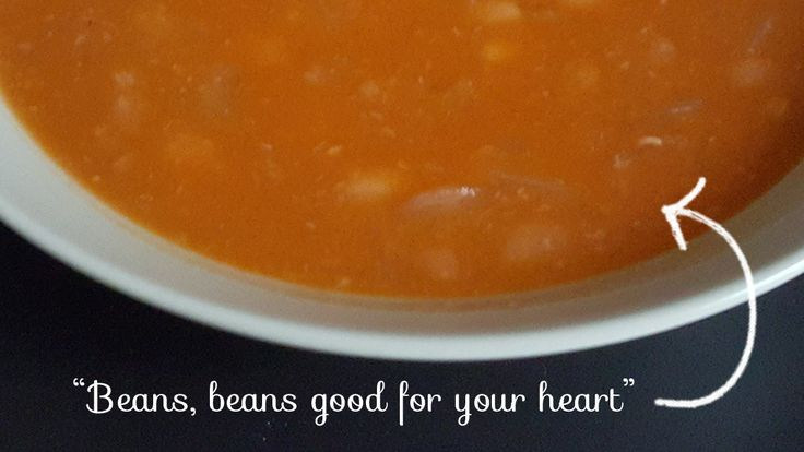 Recipe: White Bean Soup Albanian: Grosh  This is an traditional Albanian dish that is cheap to make, although takes a long process. Different parts of Albania have different names for the bean soup such as Fasule and Jani me Fasule.  Here I buy the beans in 500g bags which make two lots of Grosh. The beans are great for keeping in the cupboard as they don't start to lose their life for a good year.