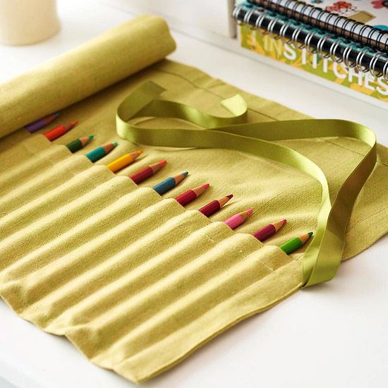 DIY: Roll-Up Pencil/Paintbrush Storage Case
