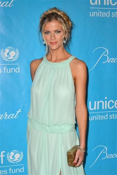 Brooklyn Decker's crown braid is perfect for summer!Celebrities Home