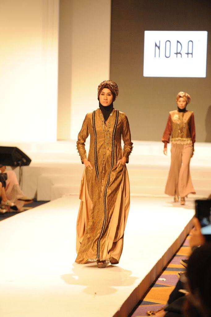 Fashion show muslimah dress boutique