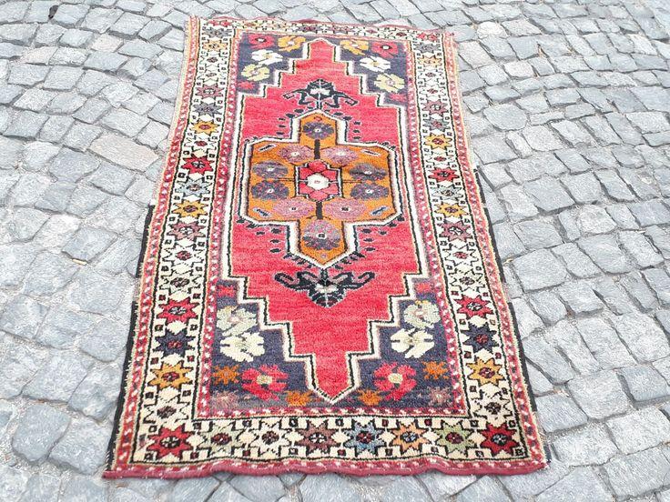 """UNIQUE TURKISH OUSHAK RUG, 66"""" x 35"""" ( 169 x90 cm )"""